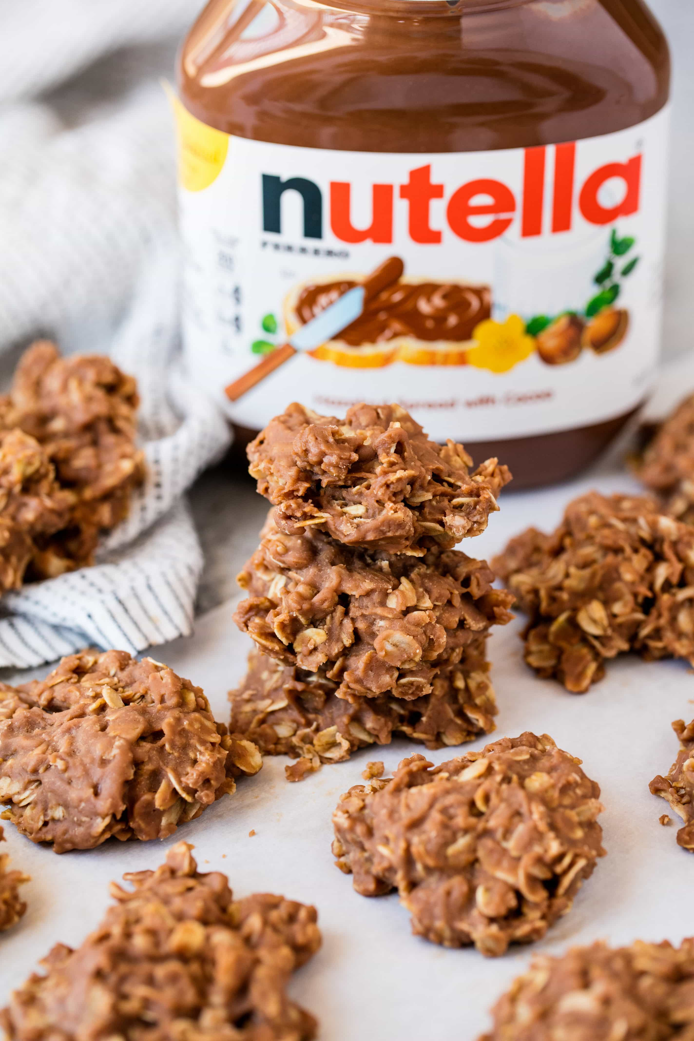 Classic no bake cookies get a Nutella twist in these Peanut Butter Nutella No Bake Cookies. Nutella lovers will go crazy over these super easy cookies.