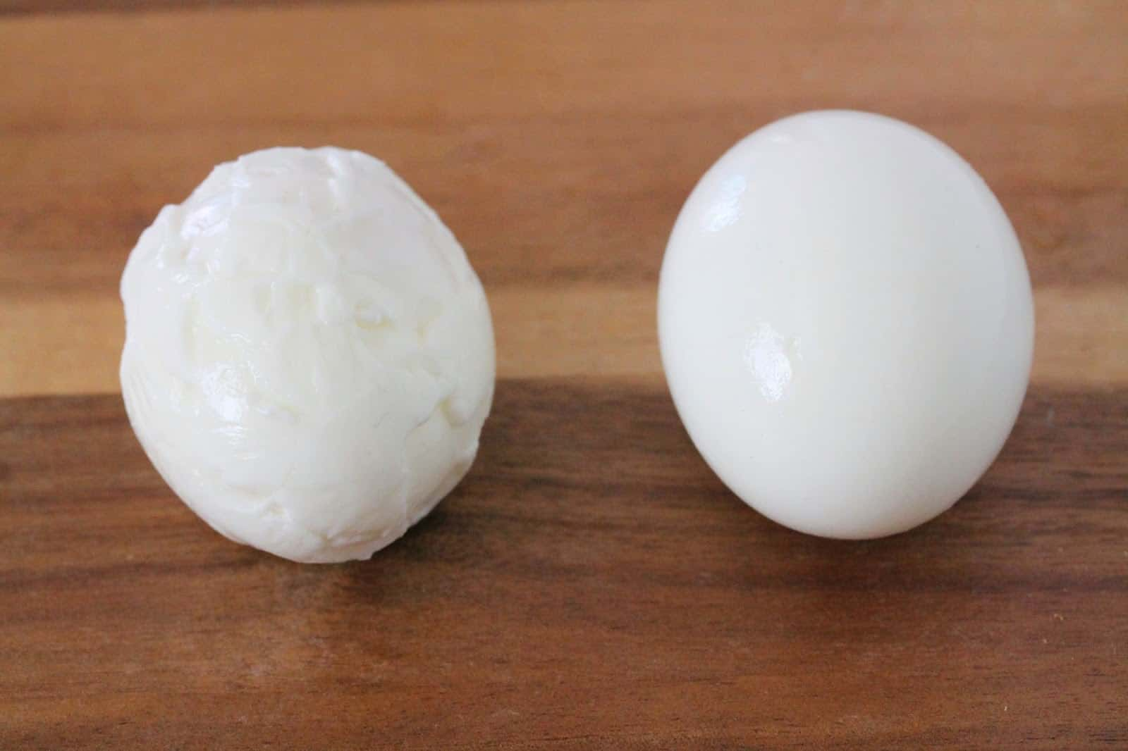 How to Boil Eggs: peeled eggs smooth vs lumpy