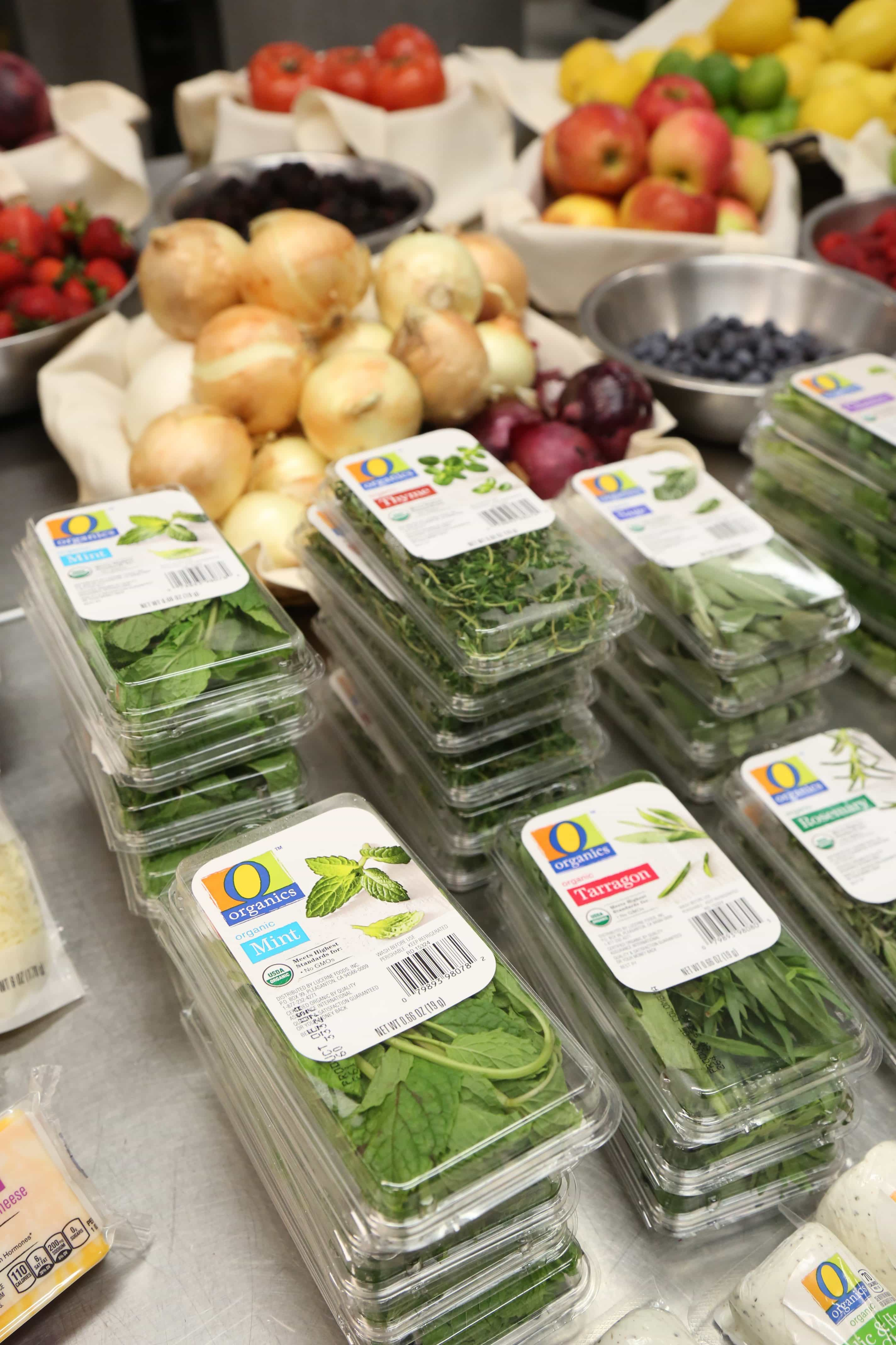 Shop O Organics for a full line of amazing and affordable organic options. O Organics products are available at Albertsons Companies stores across the country, including Albertsons, Safeway, ACME Markets, Vons, Jewel-Osco, Shaw's, Tom Thumb, Randalls, Pavilions and Star Market.