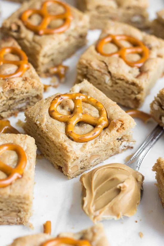 Peanut Butter Pretzel Blondies