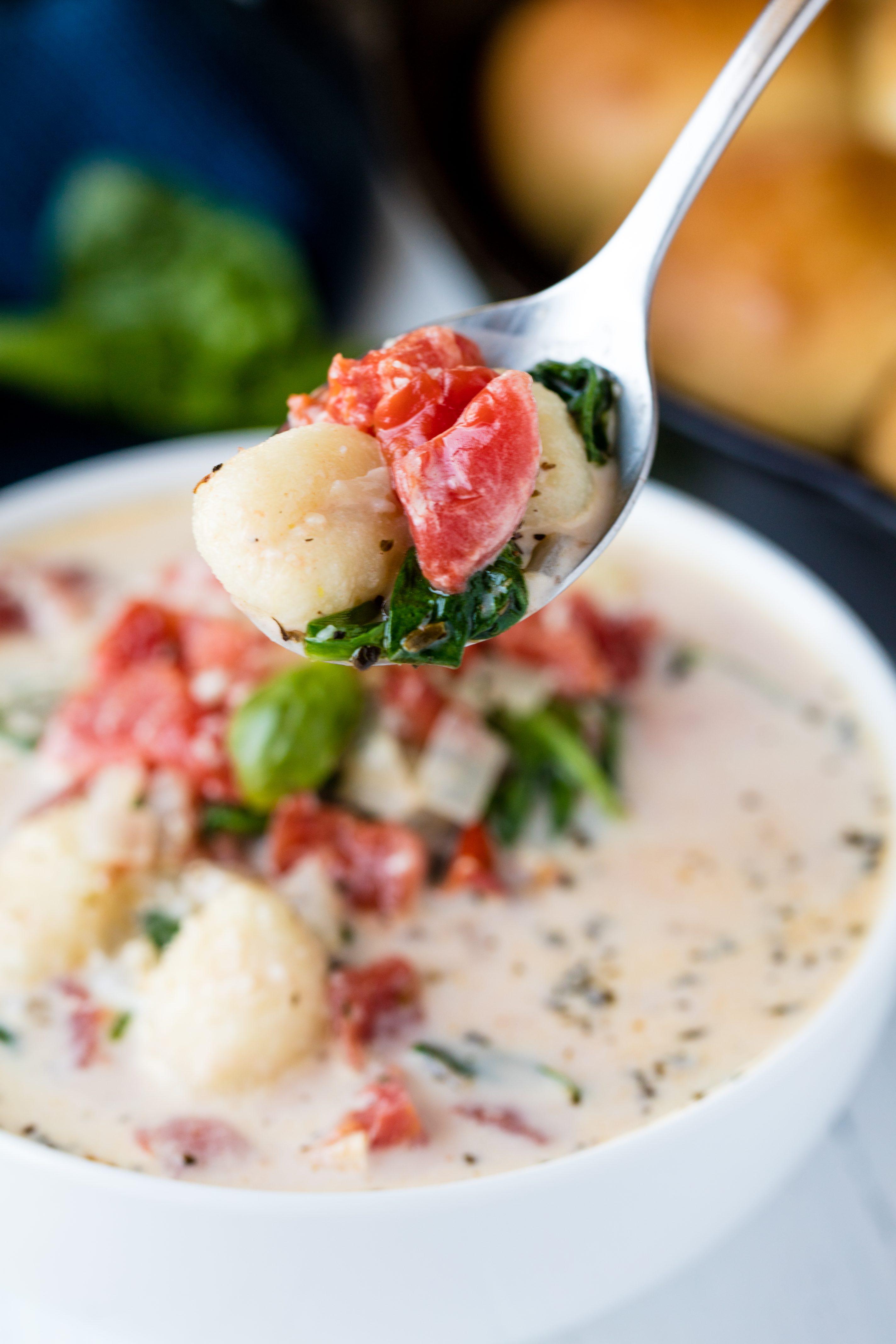 Creamy Spinach Tomato Gnocchi Soup