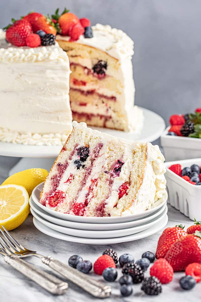Fresh Berry Chantilly Cake