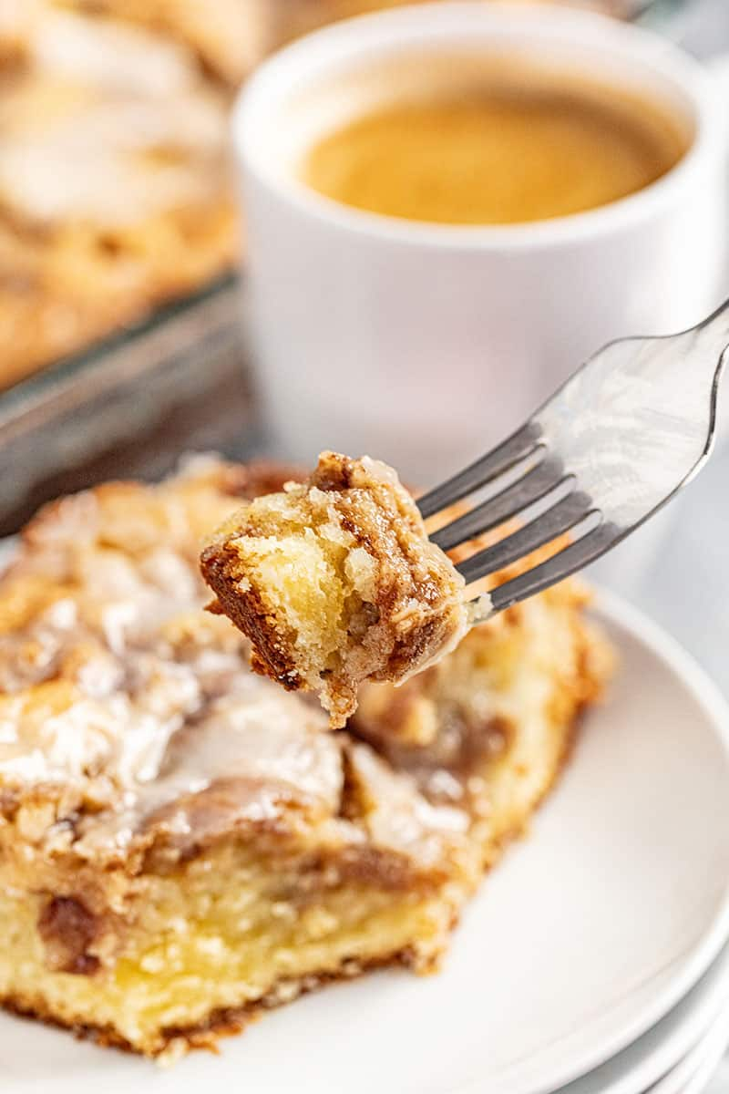cinnamon roll swirl coffee cake.