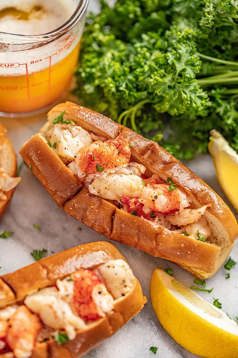 brown butter lobster roll