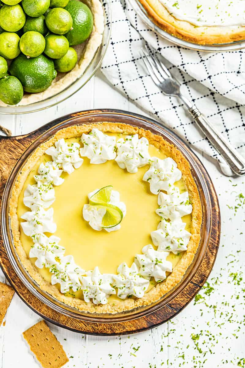 Overhead view of a whole key lime pie.